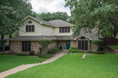 Trophy Club Single Family Home For Sale: 12 Pin Oak Court