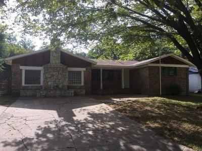 Euless Single Family Home For Sale: 703 Clebud Drive