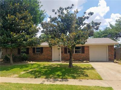 Euless Single Family Home Active Option Contract: 210 Westwood Drive