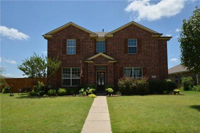 Denton Single Family Home For Sale: 2104 Creekdale Drive