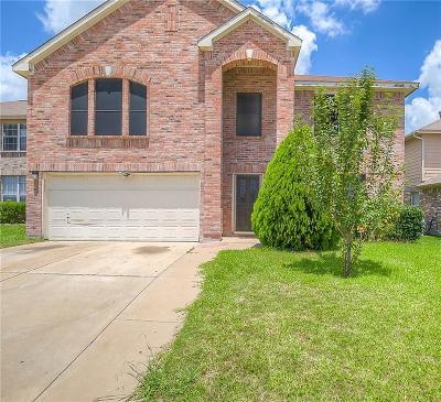 Fort Worth Single Family Home For Sale: 4800 Sleepy Ridge Circle