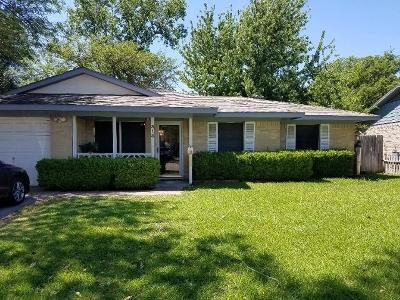 Lewisville Single Family Home Active Contingent: 313 Brook Cove Lane