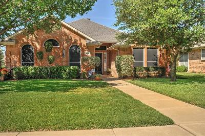 Hurst Single Family Home Active Contingent: 2740 Crystal Glenn Circle