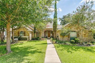 Fort Worth TX Single Family Home For Sale: $329,900