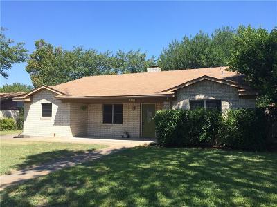 Waxahachie Single Family Home For Sale: 114 Alamo Street
