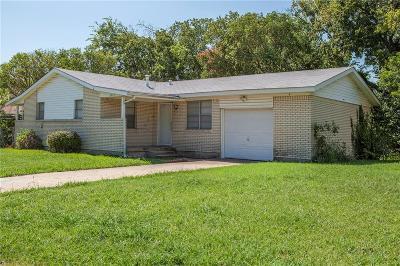 White Settlement Single Family Home For Sale: 8013 Tumbleweed Trail