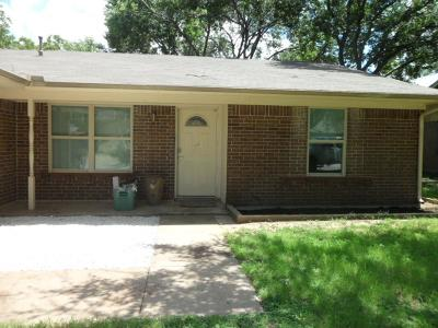 Saginaw Single Family Home For Sale: 509 Saddle Ridge Lane