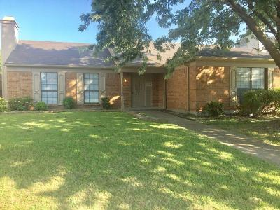 Garland Single Family Home For Sale: 2225 Country Oaks Drive