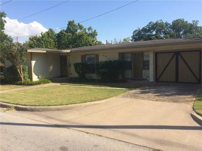 Waxahachie Single Family Home For Sale: 101 Sycamore Street
