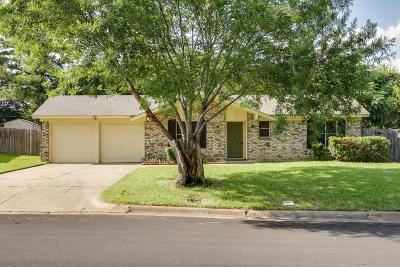 Bedford, Euless, Hurst Single Family Home For Sale: 209 Town Creek Drive