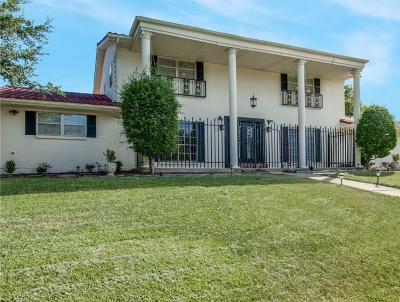 Haltom City Single Family Home For Sale: 5800 Diamond Oaks Drive N