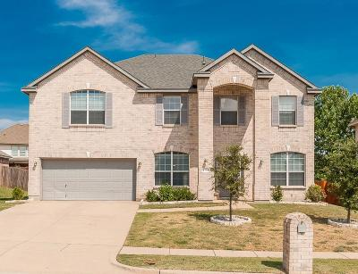 Mansfield Single Family Home For Sale: 2704 Logan Drive