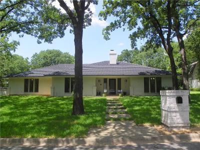 Keller Single Family Home For Sale: 2017 Vista Lane