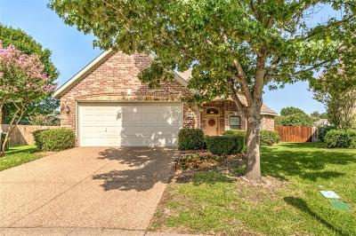 Grapevine Single Family Home For Sale: 1924 Twin Oaks Circle