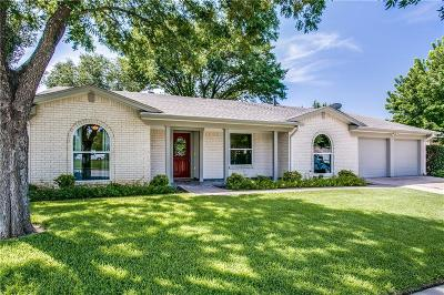 Bedford, Euless, Hurst Single Family Home For Sale: 215 Carolyn Drive