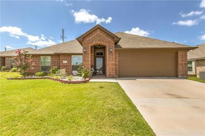 White Settlement Single Family Home For Sale: 9213 Hunters Court