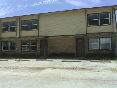 Alvarado Multi Family Home For Sale: 811 N Spears Street