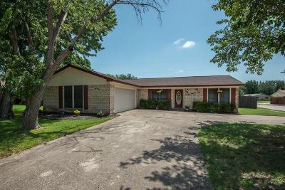 Keller Single Family Home For Sale: 217 Sioux Street