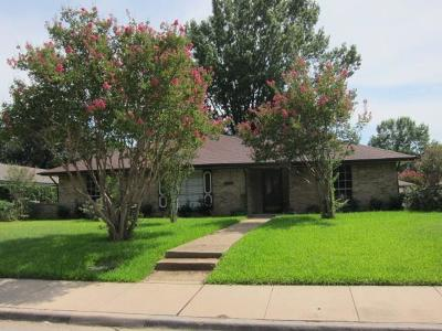 Lewisville Single Family Home For Sale: 1338 Glenhill