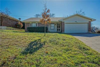 Grapevine Single Family Home For Sale: 2205 Pecos Drive