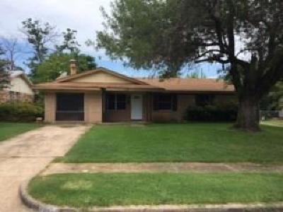 Dallas Single Family Home For Sale: 4615 Cedar Path Drive