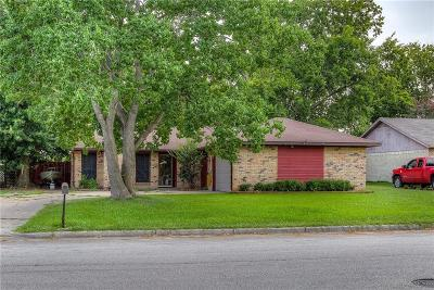 Terrell Single Family Home For Sale: 325 Town North Drive