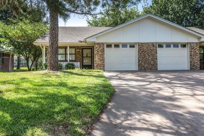 Stephenville Half Duplex Active Option Contract: 212 Rosebud