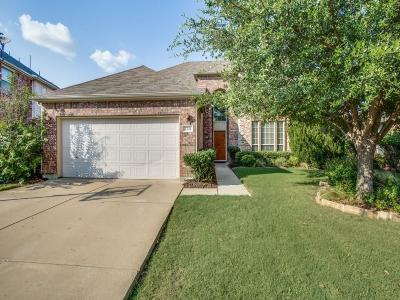 Fort Worth Single Family Home For Sale: 2721 Thorncreek Lane