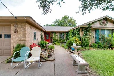 North Richland Hills Single Family Home For Sale: 6205 Gayle Drive