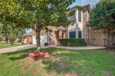 Euless Single Family Home Active Option Contract: 902 Waterford Way