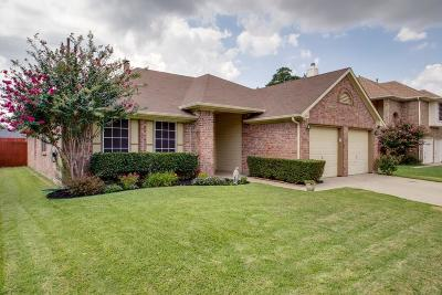 Euless Single Family Home Active Option Contract: 1212 Hanover Drive