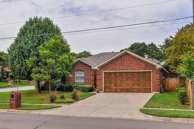 Arlington Single Family Home For Sale: 5402 Andalusia Trail