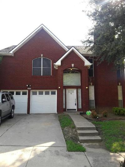 Dallas Single Family Home For Sale: 5911 Firethorn Drive