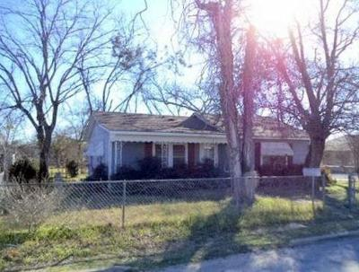 Comanche County Single Family Home For Sale: 600 N Pearl Street