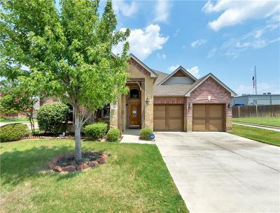Bedford, Euless, Hurst Single Family Home Active Option Contract: 216 Moonlight Drive