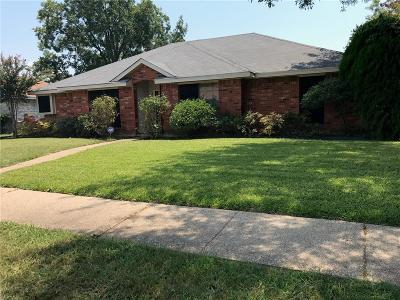 Rowlett Single Family Home For Sale: 3610 Christopher Drive