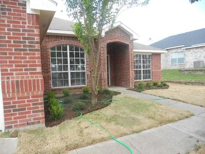 Cedar Hill Single Family Home For Sale: 1088 Winding Creek