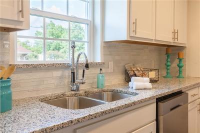 Dallas Single Family Home For Sale: 8959 Flicker Lane