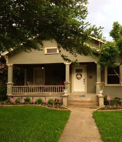 Dallas Single Family Home For Sale: 619 N Clinton Avenue