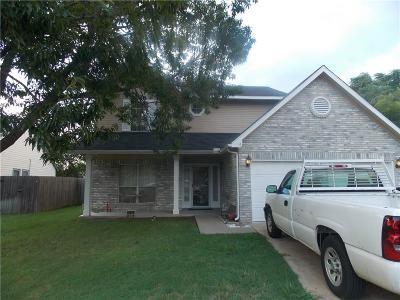 White Settlement Single Family Home For Sale: 10404 Bing