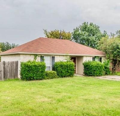 Springtown Single Family Home For Sale: 632 N Avenue C