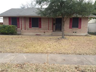 Garland Single Family Home Active Contingent: 414 Gloria Drive