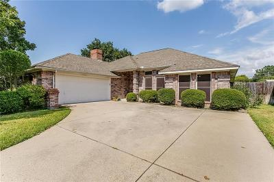 Benbrook Single Family Home Active Contingent: 1221 Cozby Street W
