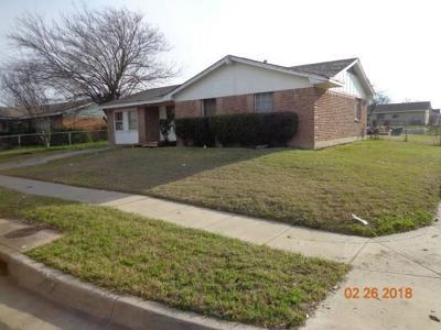 Dallas Single Family Home For Sale: 6318 Hidden Trail Drive