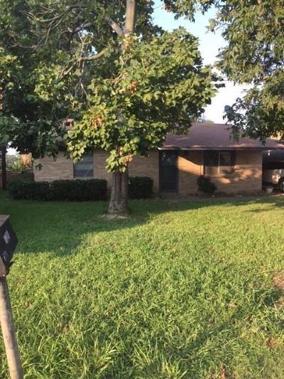 Azle Single Family Home For Sale: 6776 Briar Road