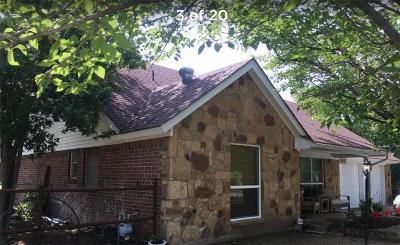 White Settlement Single Family Home For Sale: 613 Easley Street