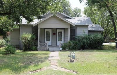 Ennis Single Family Home For Sale: 901 E Milam Street