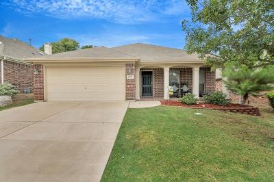 Fort Worth Single Family Home For Sale: 15733 Wheelhorse Trail