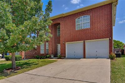 Mansfield Single Family Home For Sale: 519 Blueberry Hill Lane