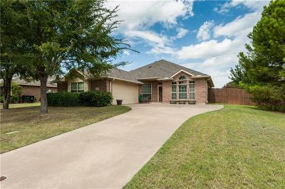 Lewisville Single Family Home For Sale: 1527 Steamboat Trail